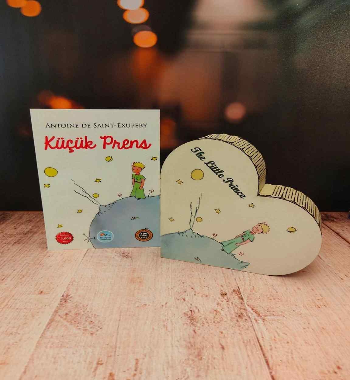 Küçük Prens Arkadaşa Hediye Küçük Prens Kutu Ve Başucu Kitabı Unutulmaz 2Li Hediye Seti