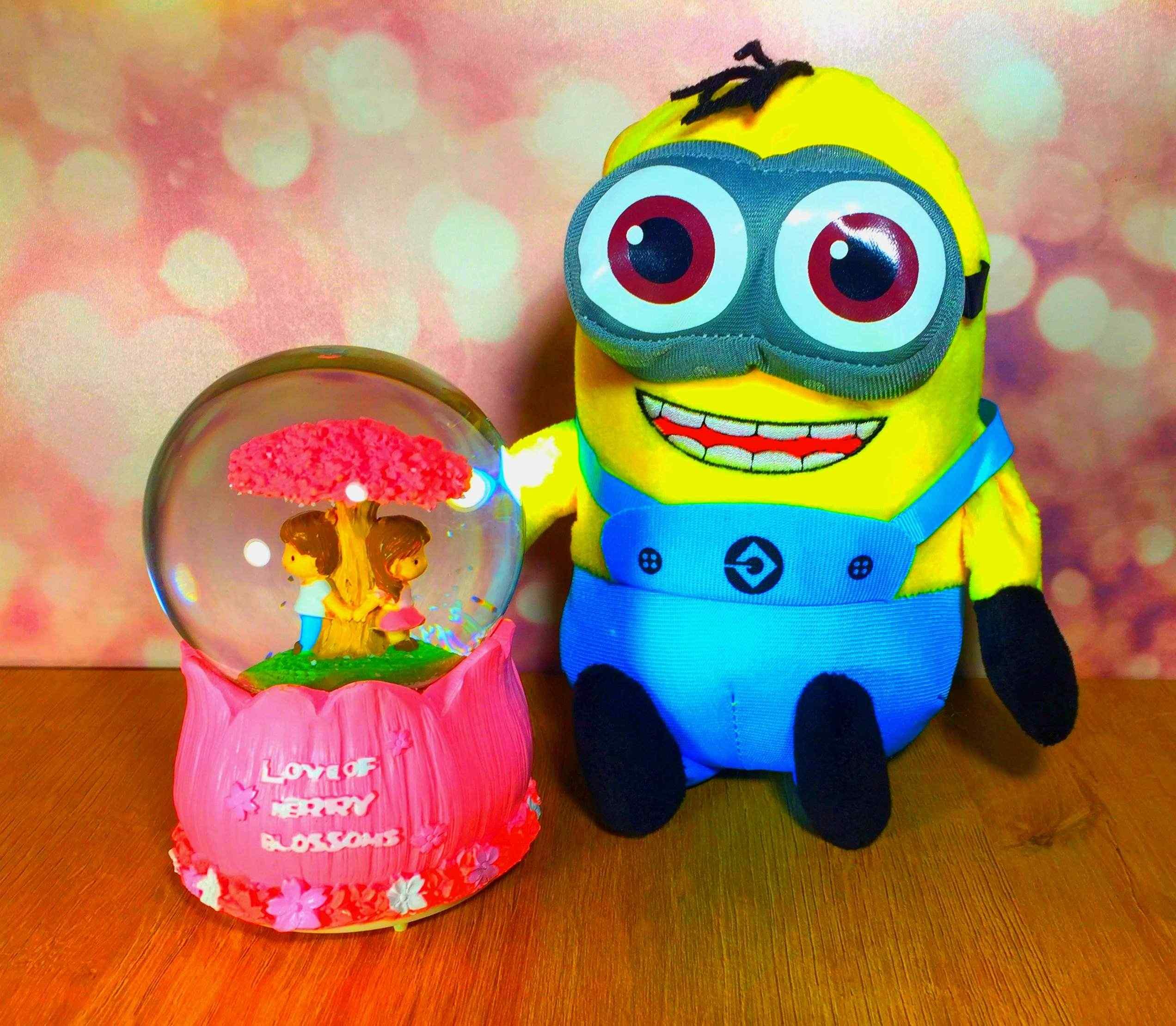 Minions Minyon Peluş Ve Romantik Aşıklar Kar Küresi Seti