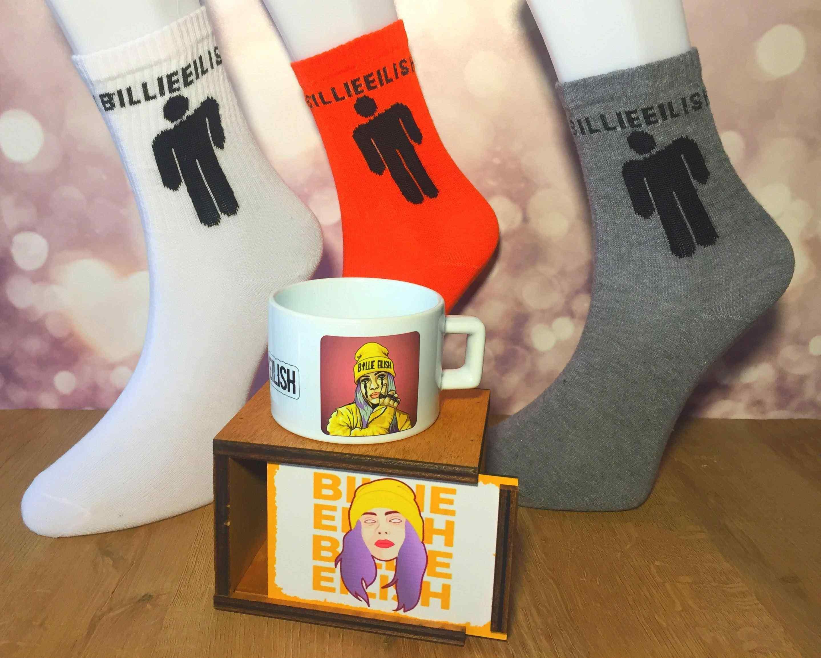 Billie Eilish Ahşap Kutulu Kupa Ve 3'lü Çorap Hediye Seti