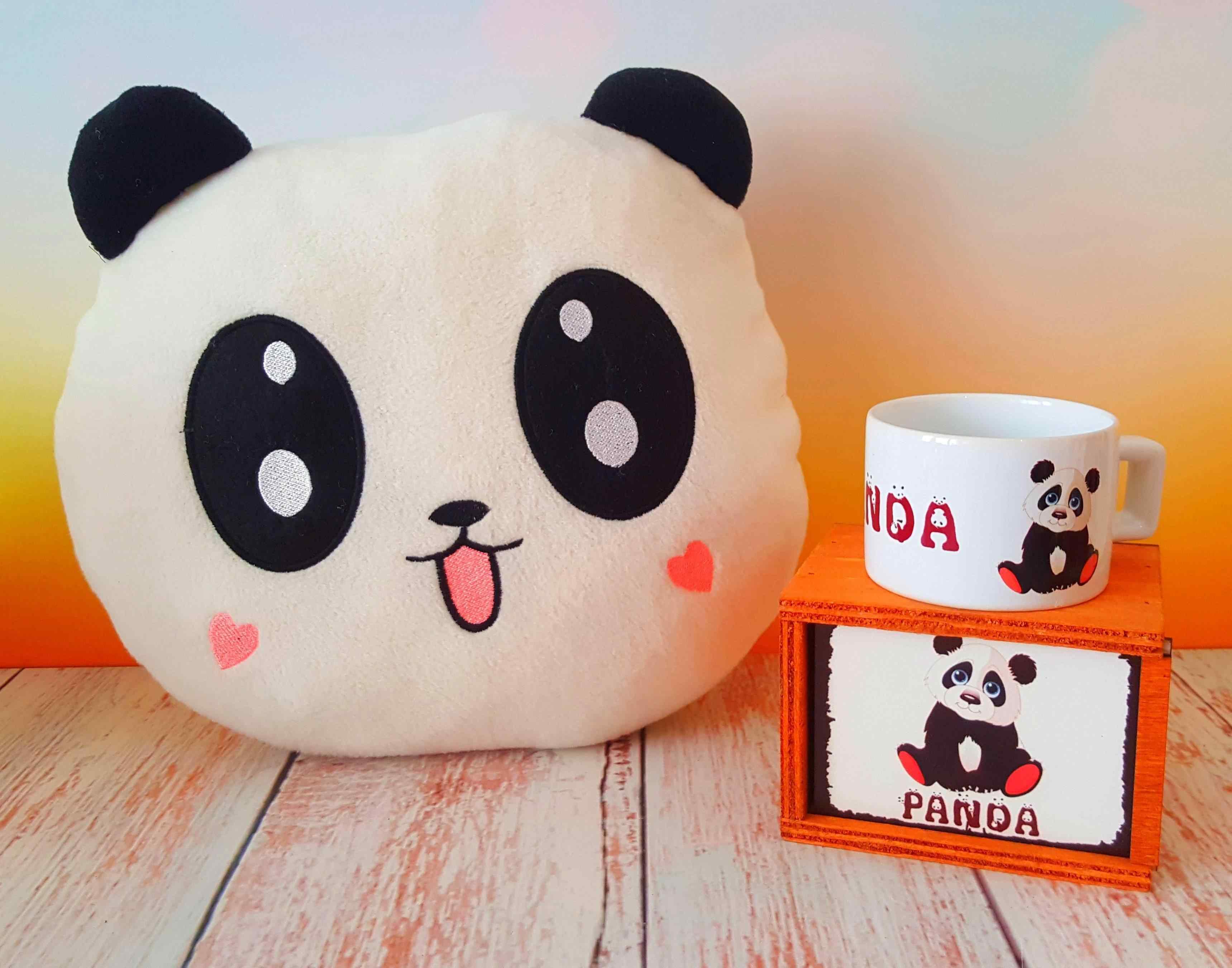 Sevimli Panda Yastık Ve Kutulu Kupa Özel Hediye Seti