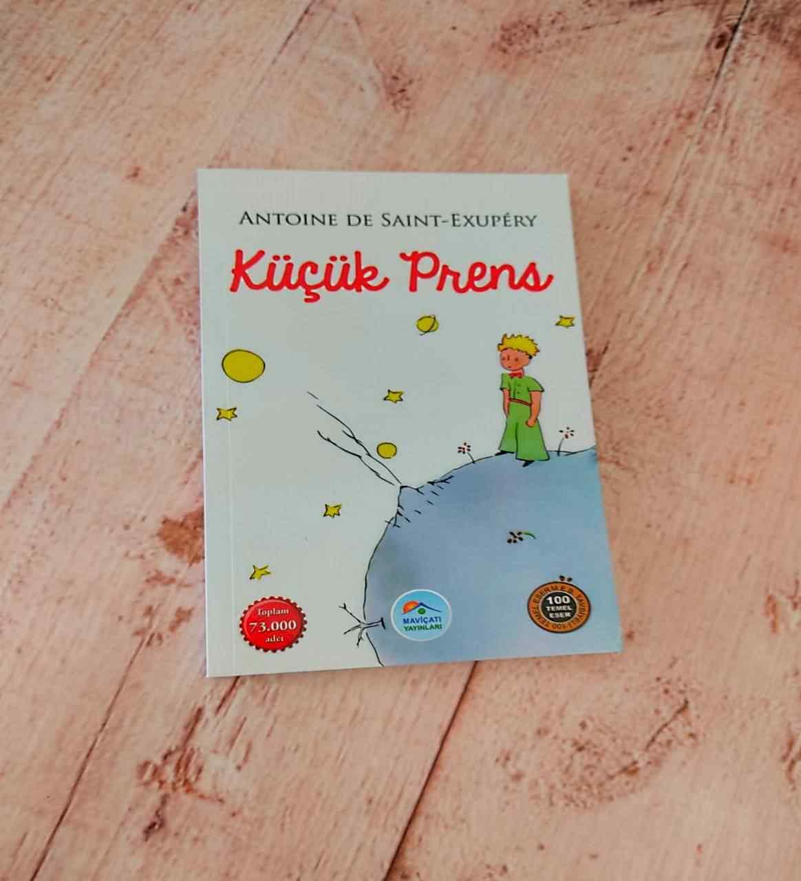Küçük Prens Arkadaşa Hediye Notluk Masa Lambası Ve Başucu Kitabı Unutulmaz 2Li Hediye Seti
