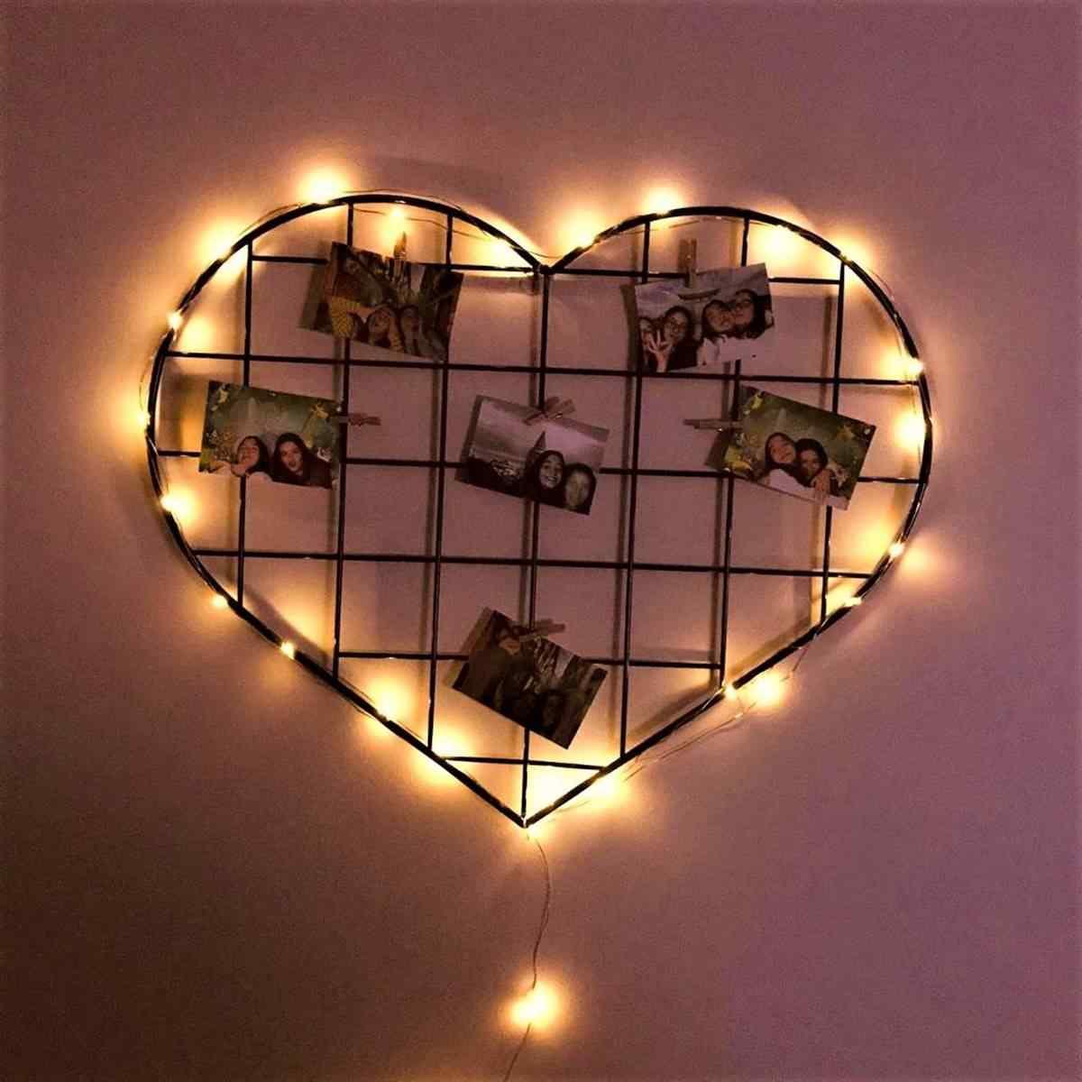 Siyah Işıklı Kalp Fotoğraf Panosu