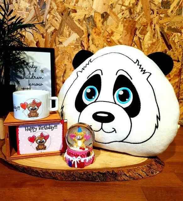 Panda Polar 3D Yastık Kutulu Kupa Ve Işıklı Kar Küresi 3'Lü Doğum Günü Hediyesi